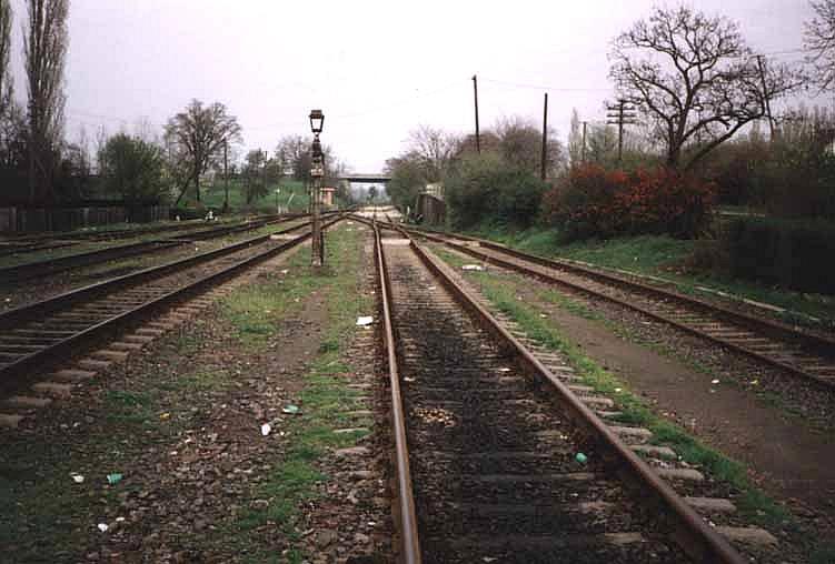 Das Gleis 2 am Busiascher Bahnhof