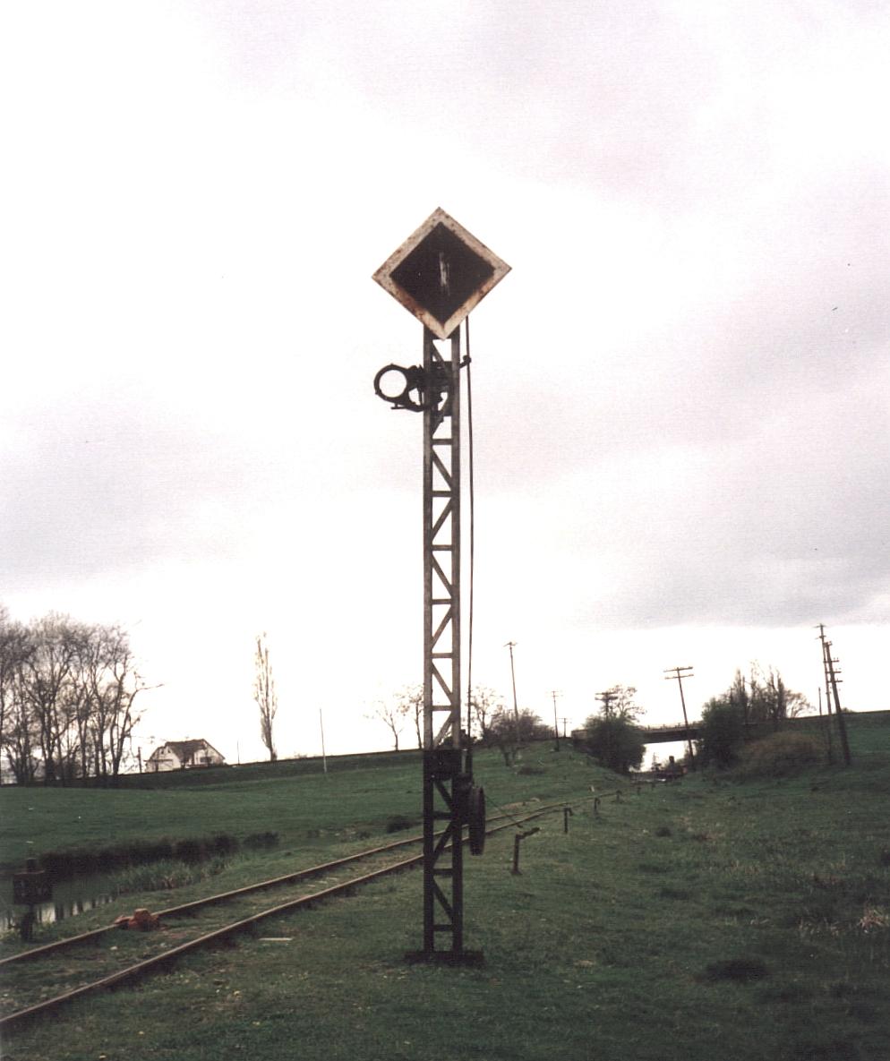 Das Signal vor dem Busiascher Bahnhof
