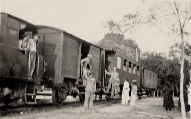 """Die """"Kleine Bahn"""" in der Haltestelle """"Gara Ileana"""""""
