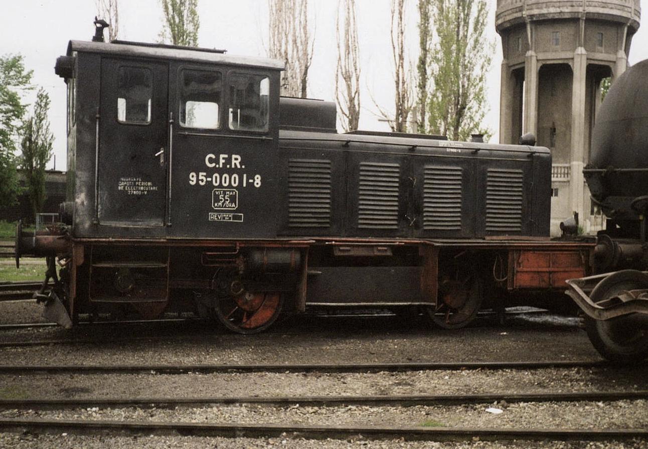 Diesellok 95-0001-8 (einst 20.001) in April 2001 im Bahnbetriebswerk Temesvar