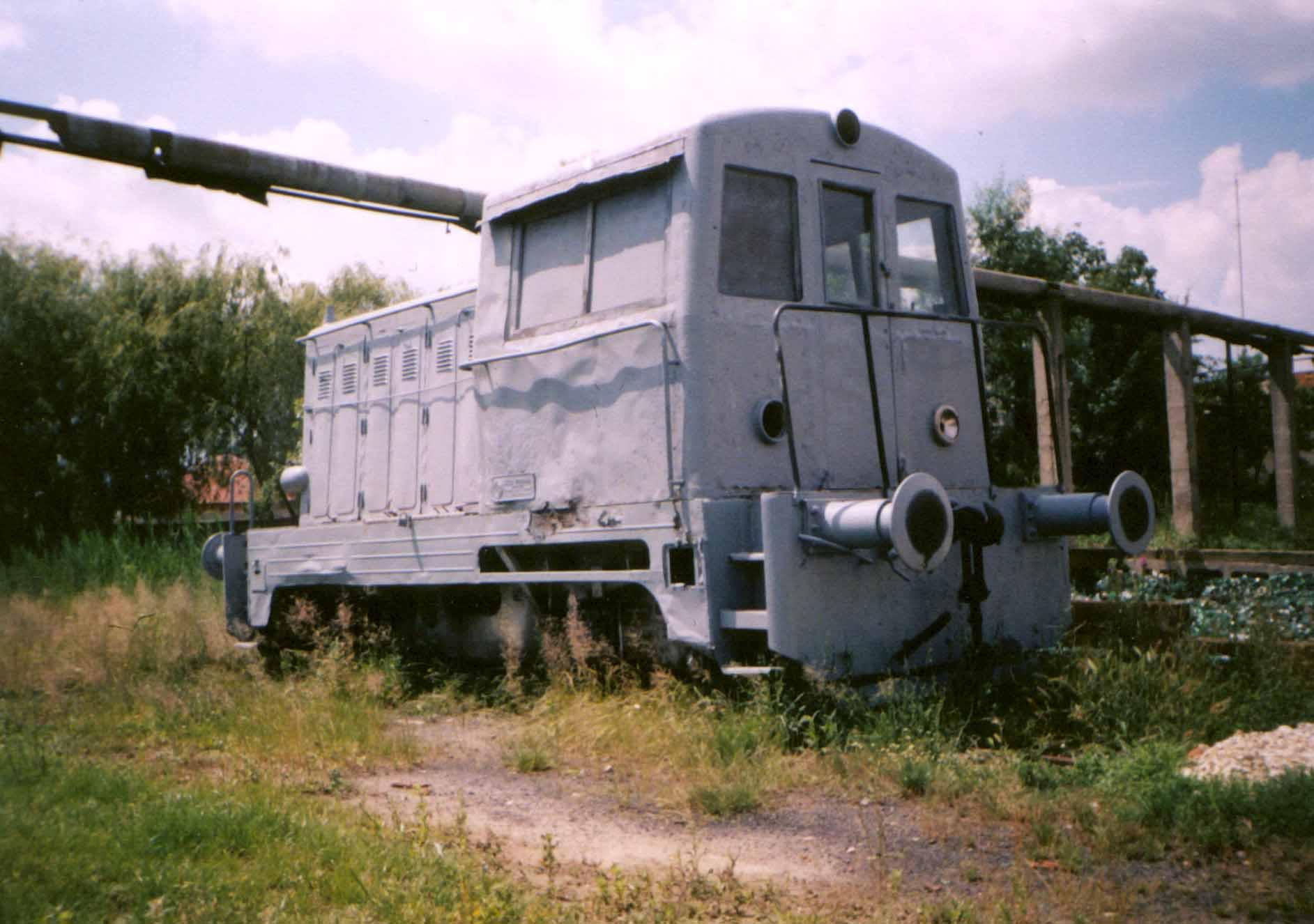 Die umgebaute Tatra-Lok hat im Sommer 2001 einen neuen Anstrich bekommen, ist jedoch nicht mehr betriebsfähig.